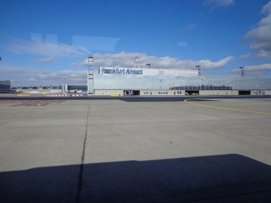 Di landasan pacu, welcome to Frankfurt Airport
