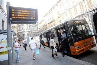 Bus di kota Genova