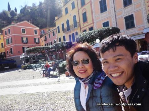 Diajak jalan-jalan ke Portofino sama bu Nini