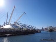 Porto Antico, pelabuhan kapal terbesar di Italia bagian utara yang menghadap langsung ke Laut Mediterania. Sungguh menawan.