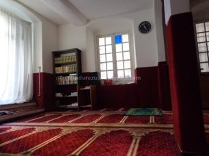 Suasana Dalam Moschea Al Fajr