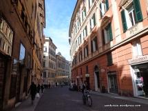 Pedestrian di sudut-sudut kota Genova