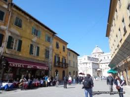 Suasana kota Pisa