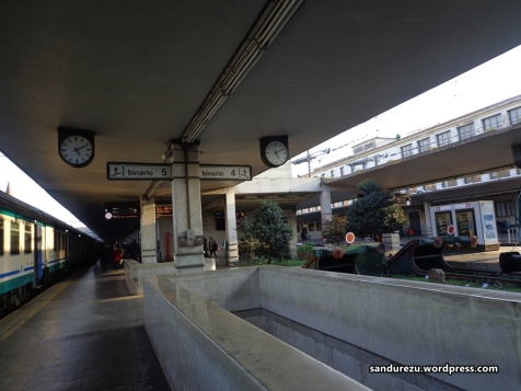 Pertama kali menginjakkan kaki di Florence, di Stasiun Firenze Santa Maria Novella