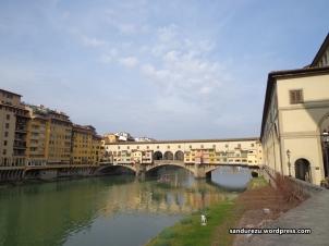 Ponte Vecchio, Jembatan tua abad pertengahan yang masih berdiri kokoh di Florence