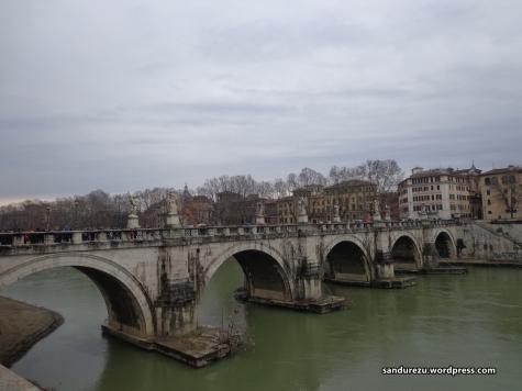 Jembatan di depan