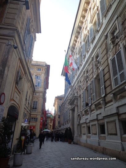 Via Garibaldi, jalanan tua yang cantik di pusat kota Genova