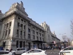 Di depan Milano Centrale Station.