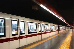 Kereta bawah tanah di Roma