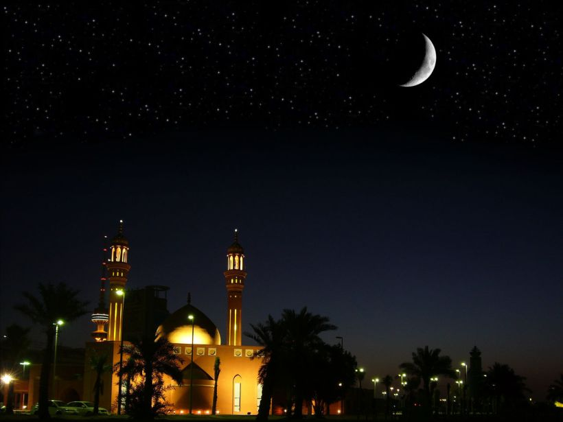Mosque_and_Crescent-3994