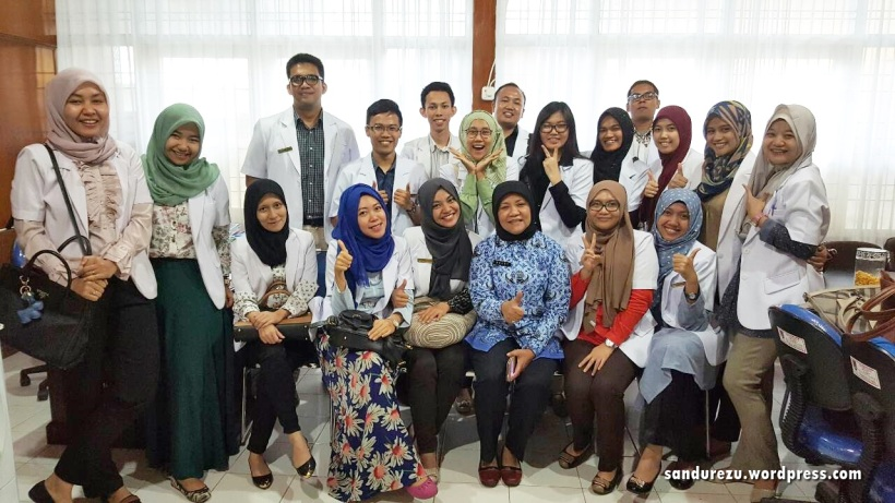 Dokter Internsip Payakumbuh Angkatan XXIII bersama dr.Merry Direktur Utama RSUD Adnaan WD Payakumbuh