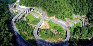 Jembatan kelok 9 (http://assets.kompas.com)