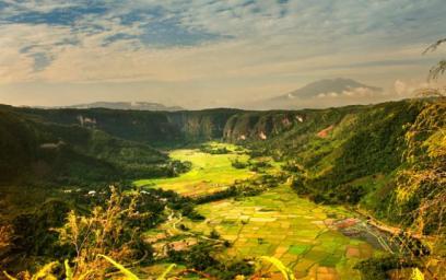 Lembah Harau dari atas bukit (http://batamnews.co.id/)