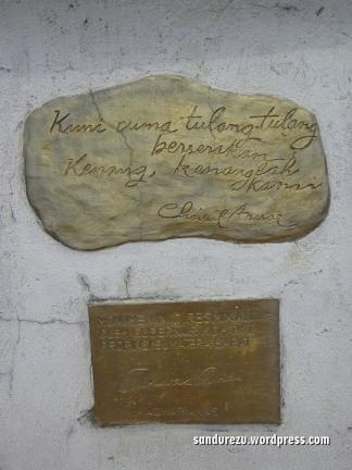 Tulisan di monumen ratapan ibu