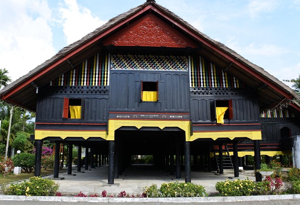 Ngebolang Di Aceh Rumah Cut Nyak Dhien Dan Pantai Lho Nga Sandurezu D Syandrez